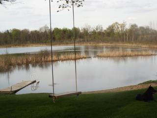 Mann Lake Cottage, 1500 sqft home on private lake!, Sheridan
