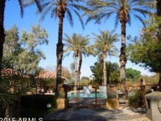 Scottsdale prime area 1 bedroom furnished condo