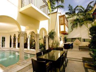 Refined 5 Bedroom Villa in South Beach, Miami