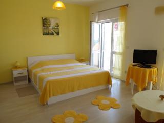Apartments Ingrid 1, Ploce