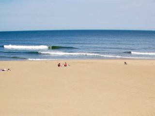 OCEANFRONT Condo 304 Beach/Ocean Views Oceans II, Virginia Beach