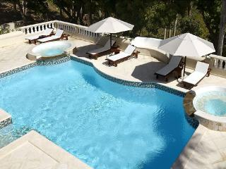 Tropical Serenity!  3-7 bedroom Villa !, Puerto Plata