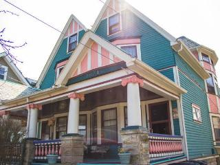 Historic Lakewood Victorian 5 bedroom