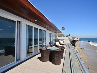 Luxury Malibu Beachfront Home with Spacious Deck Overlooking Ocean