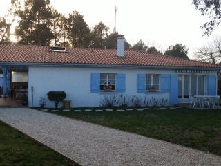 Loceange (appartement dans villa).