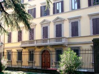 Della Robbia - Florence center near Duomo 2 bdr