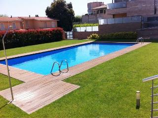 Calella Apartamento con piscina 20m del mar 4 pers
