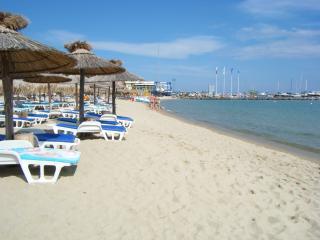 Next to Beach & Marina in Vlas