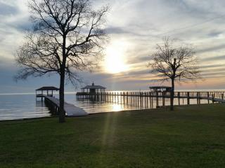 Bama-liscious!  Waterfront house with UNREAL views, Fairhope