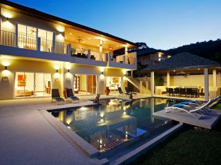 AMBER: 7 Bedroom, Private Pool Villa near Beach, Nai Harn