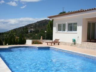 Beautiful villa w/pool in Palau Saverdera, Roses