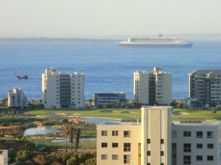 Awesome sea views from this stunning apartment, Cidade do Cabo