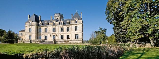Chateau des laurets PUISSEGUIN