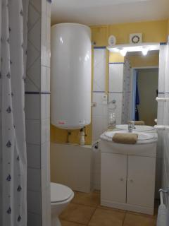 Main bedroom ensuite