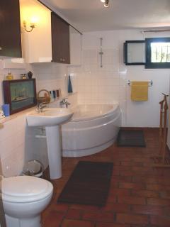 Les Terrasses : bathroom