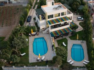 The Hidden Pearl Villa! 350sq.m 6 Bedrooms ensuite, Rethymnon