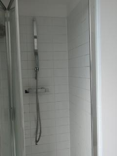 Master En-Suite Shower