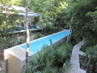 Luxury Garden Condo in a Five Star Resort, Akumal