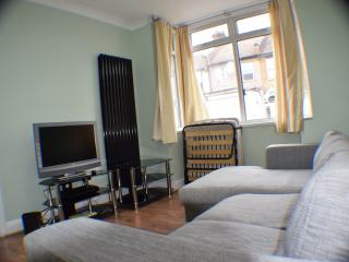 3 bed house, 2 bathrooms, 15 min. city center, London