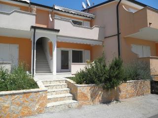 Promenada(946-2154), Lovrecica