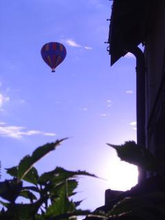 Les montgolfières passent régulièrement au dessus du gite