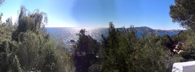 Vista al mar. Acceso directo al mar Direct access to the sea. Seaview.