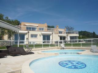 JdV Holidays Villa Rose, 4 / 5 bedrooms with pool and amazing views over Nice !, Villefranche-sur-Mer