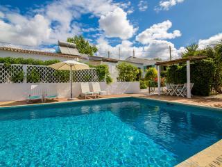 Casa das Figueiras - Algarve Portugal - Private villa sleeps 6 with pool