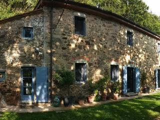 1861 Stone Farmhouse in Tuscany
