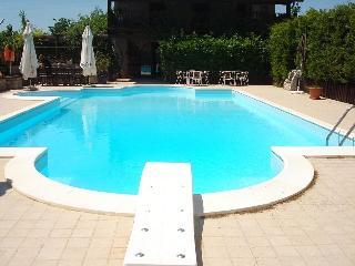 Villa con piscina, Trebisacce