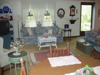 RI Beach Rental Available- Beautiful Beaches!, Charlestown
