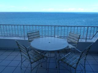 Oceanview Beachfront Penthouse, Isla Verde, Carolina