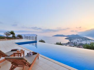 Penthouse The Grand, Kas