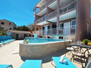 Apartments with pool App 3