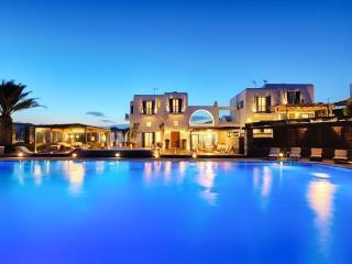 Villa Anassa - beachfront property, Kalo Livadi