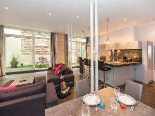 Luxurious & Modern 2BD/2BTH in the 6th - Saint-Germain des Près/Seine River