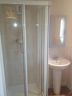 En Suite Shower Room to Master Bedroom