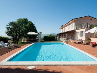 Villa Lucca 8 a 10 persone