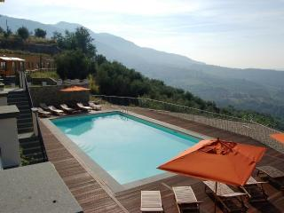 AI FIORI apt up to 5 people with pool, gym, Matraia