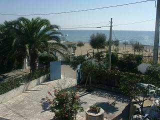 Villa Maria front beach, WiFi, 5-6 beds, 2 bath.