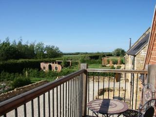 Luxury 5* 4 bed country apartment with great views, Bretforton