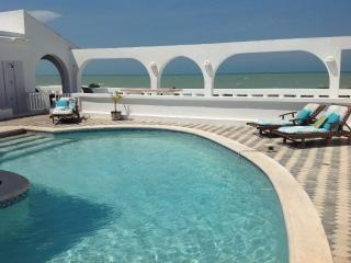 Los Arcos....Oceanfront Resort Villa with endless outdoor living., Chelem