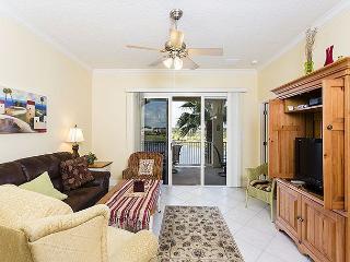 Cinnamon Beach 1033, new HDTV, Tile, Newly Painted, 2 pools, beach, wifi, Palm Coast