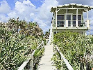 Flagler Oasis Beach House - Sleeps 8, Beach Front, HDTV, Wifi, Flagler Beach