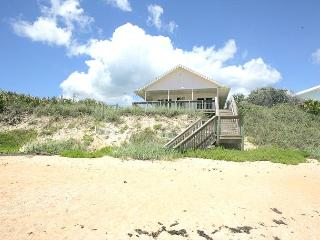Cozy Cottage, Beach Front, 3 Bedrooms, Flagler Beach
