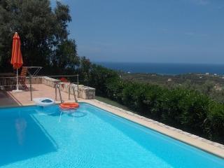 Detached villa with pool Crete, Adele