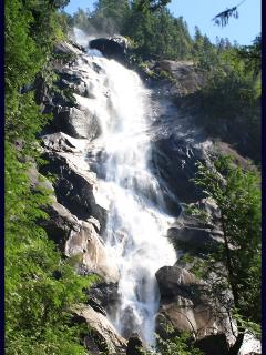 Shannon Falls is composed of a series of cliffs, rising 335 metres above Highways 99,