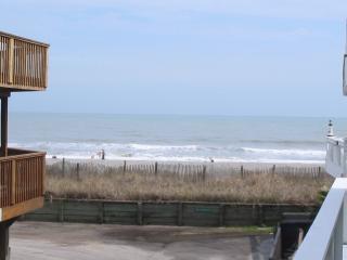 Gorgeous 60 Ft to Beach 5bd/3BA 4 Deck Beachhouse, Myrtle Beach