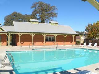 Two bedroom Cottage- Greenhorn Vacation Cottages