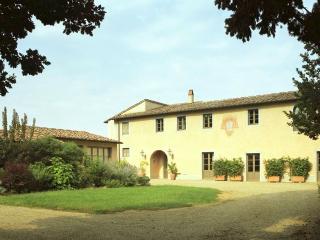 Villa Giallo, Palaia